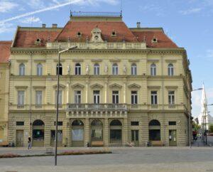 Narodni muzej_-_pogled_sa_trga