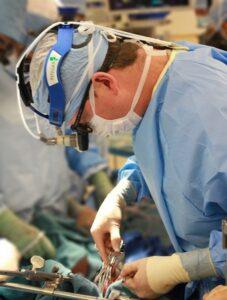 surgeon-1049535_960_720_454_600