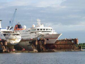 dry-dock-171695_1280_800_600
