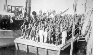 ukrcavanje-i-dobrovoljacke-divizije-u-brodove-u-arhangelsku-za-solun_800_475