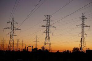 power-lines-997249_1920_800_531